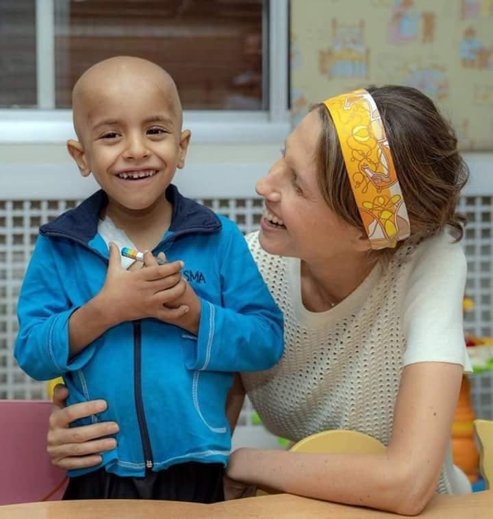 "Photo of الصور- ""سيدة الياسمين"" تزور جميعة بسمة لأطفال السرطان"