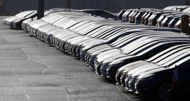 Photo of احجزوا سيارتكم .. مزاد حكومي لبيع 258 سيارة مستعملة الشهر المقبل في اللاذقية