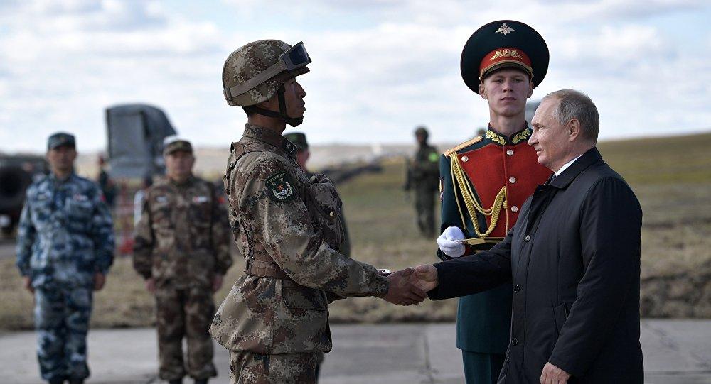 Photo of بوتين: يجب أن يكون الجيش الروسي مستعدا للدفاع عن البلاد ودعم الحلفاء