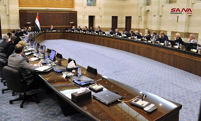 Photo of الحكومة تتجه لاستقطاب الشركات المشاركة في معرض دمشق الدولي لتعزيز فرص التعاون الاستثماري