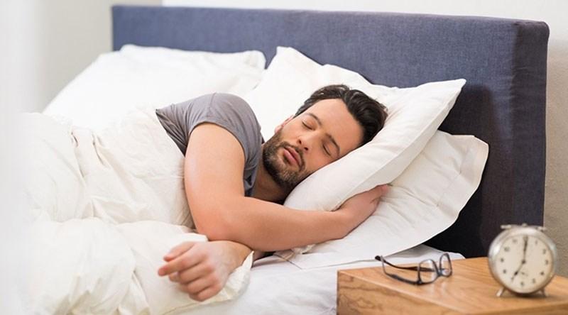 Photo of لماذا يتكلم البعض أثناء النوم؟ وماذا يعني ذلك؟