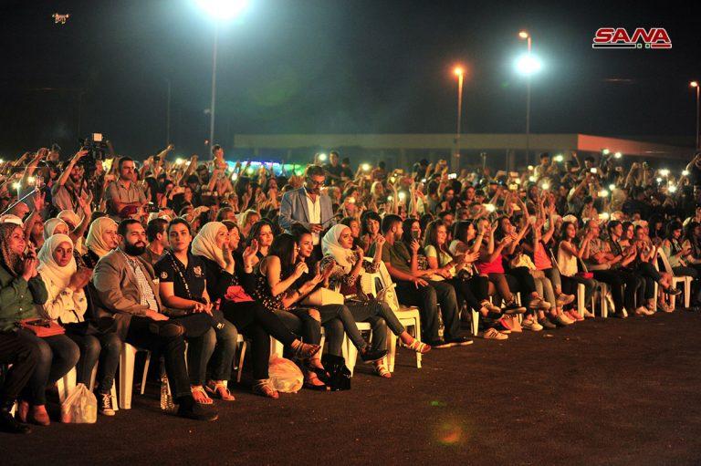 Photo of 222 ألف زائر في اليوم السادس من معرض دمشق الدولي