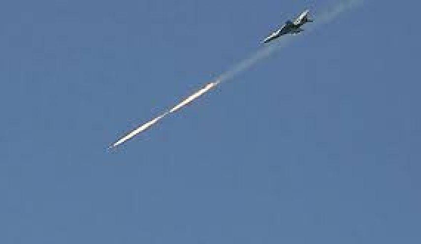 """Photo of الطيران الحربي يقصف مواقع """"داعش"""" بعمق منطقة الصفا"""