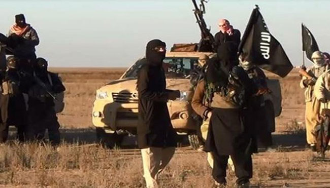 Photo of Daesh terrorists escape from al-Hawl prison in Hasaka countryside