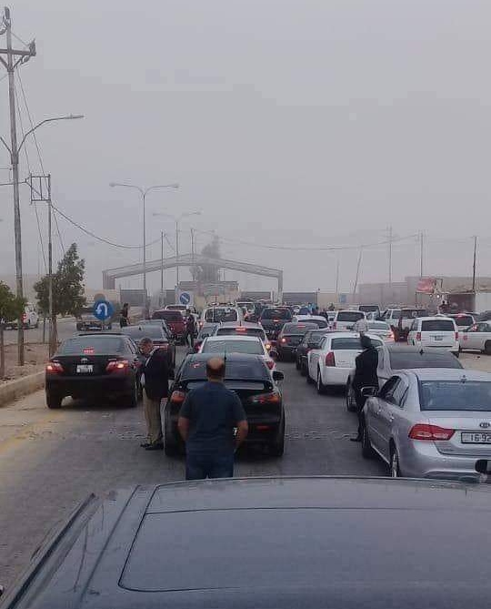 Photo of Syrian cars stuck in Jordan to enter the country via Naseeb crossing