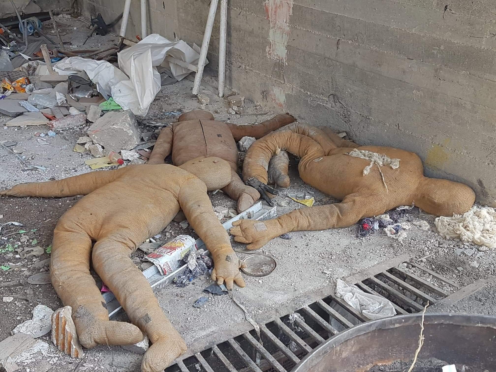 """Photo of بعد التحرير… مقرات الخوذ البيضاء بـ """"زملكا"""" تَشهد على كذبهم"""
