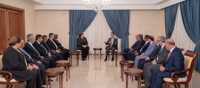 Photo of الرئيس الأسد لوفد اتحاد المهندسين الزراعيين العرب: الأمن الغذائي أحد المقومات الأساسية التي ساهمت في امتلاك سورية لاستقلالية قرارها
