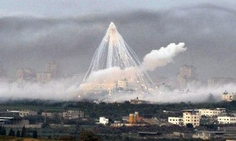 """أمريكا تجدد قصف """"دير الزور"""" بقنابل محرمة دولياً"""