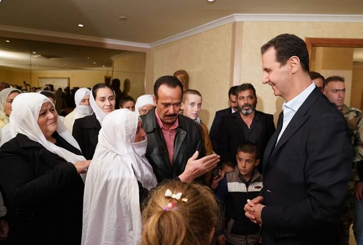Photo of President al-Assad receives liberated abductees of Sweida: the State put liberation of every abductee on top of its priorities