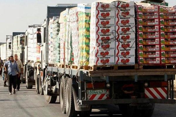 Photo of 500 شاحنة خضار وفواكه تصدر يومياً عبر معبر نصيب