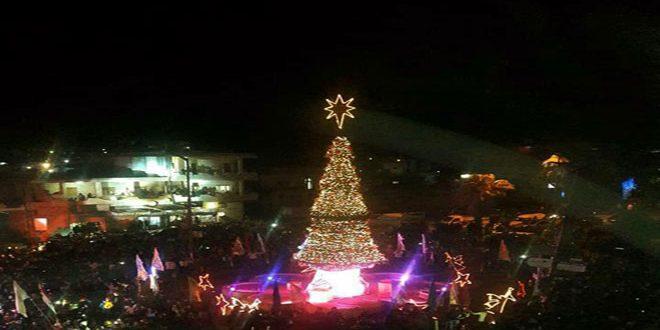 Photo of إضاءة شجرتي الميلاد في السقيلبية ومحردة
