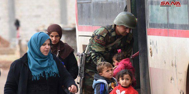 Photo of الجيش يؤمن خروج مئات المدنيين من معبر ابو الضهور