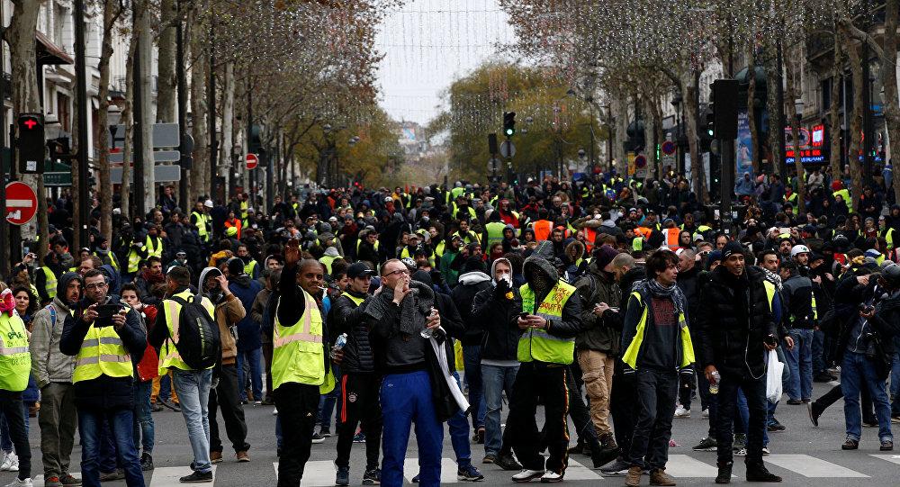 Photo of فرنسا.. 31 ألف متظاهر شاركوا في احتجاجات اليوم واعتقال 700