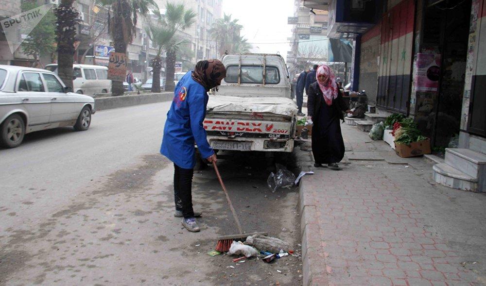 Photo of بالفيديو والصور… سوريات عظيمات يصارعن الحرب في شوارع دمشق