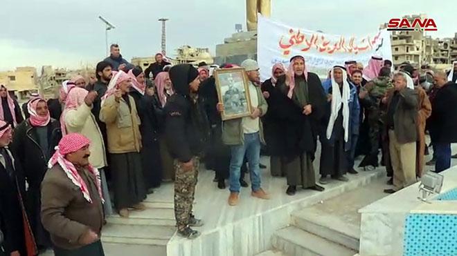 """Photo of """"دير الزور"""" تحتفل بتحرير الجيش لـ منبج"""