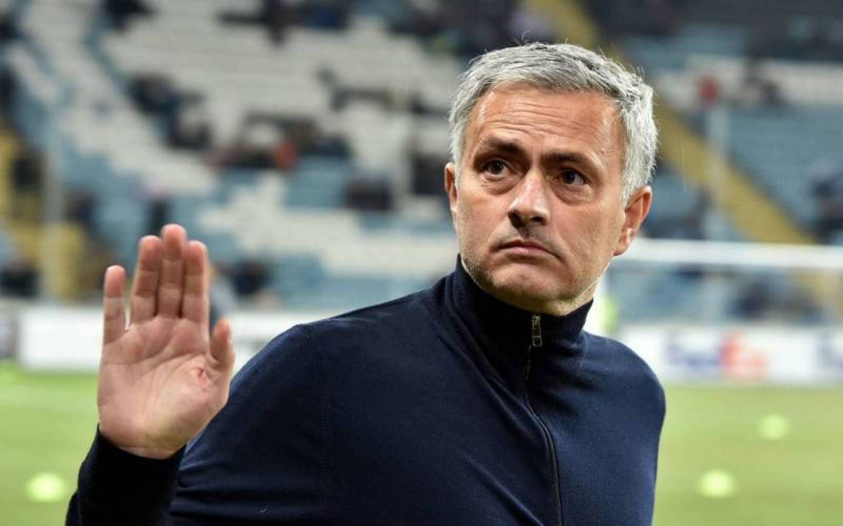 Photo of إقالة مورينيو من تدريب مانشستر يونايتد