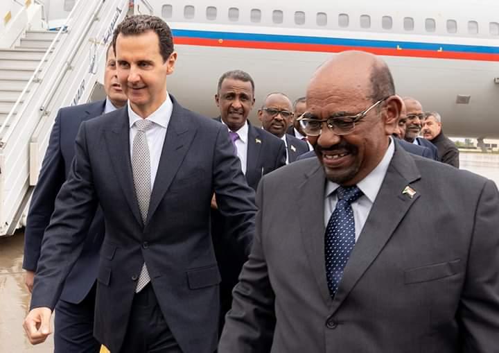 Photo of الرئيس الأسد يستقبل رئيس السودان البشير في مطار دمشق الدولي