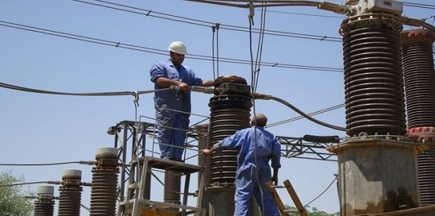 Photo of Workers of electricity repair blackouts despite stormy weather