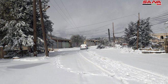 Photo of الأرصاد: المنخفض القطبي يواصل تأثيره والثلوج على ارتفاع 700 متر