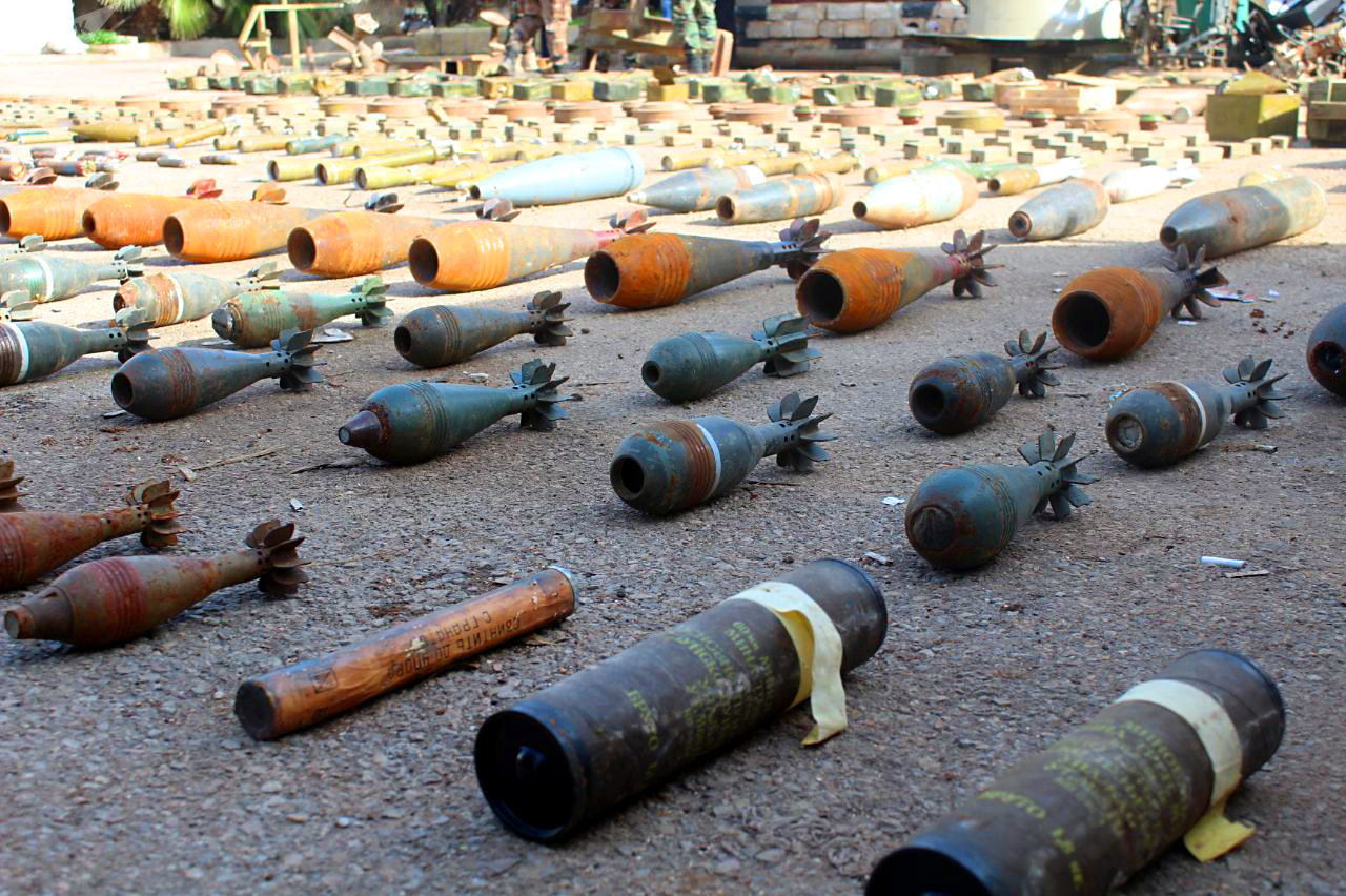 Photo of الجيش يضبط ألغاما إسرائيلية وأحزمة ناسفة شرق درعا