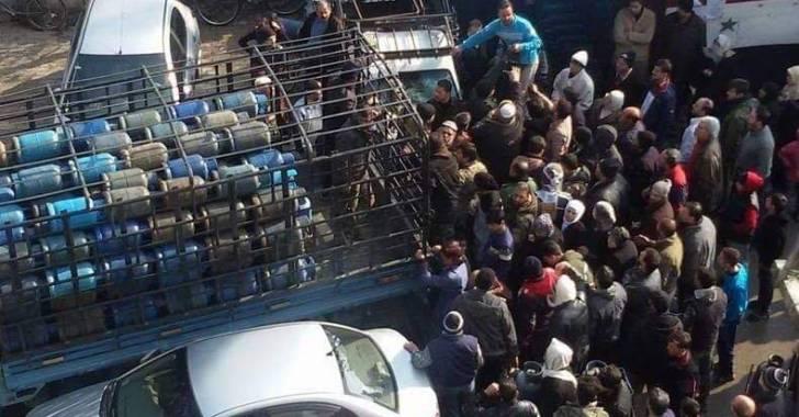 Photo of نجاح رقمي وإعلامي في حل أزمة الغاز المنزلي.. وفشل في التوزيع