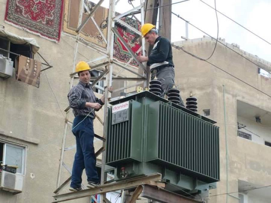Photo of كهرباء ريف دمشق: نعتذر من جميع المواطنين ولكن هذه هي الإمكانيات