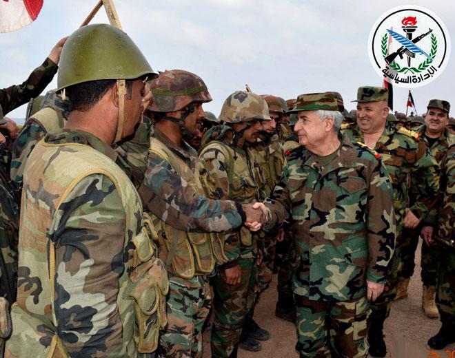 Photo of بتوجه من الأسد.. العماد أيوب يتفقد قواتنا بريف حماة