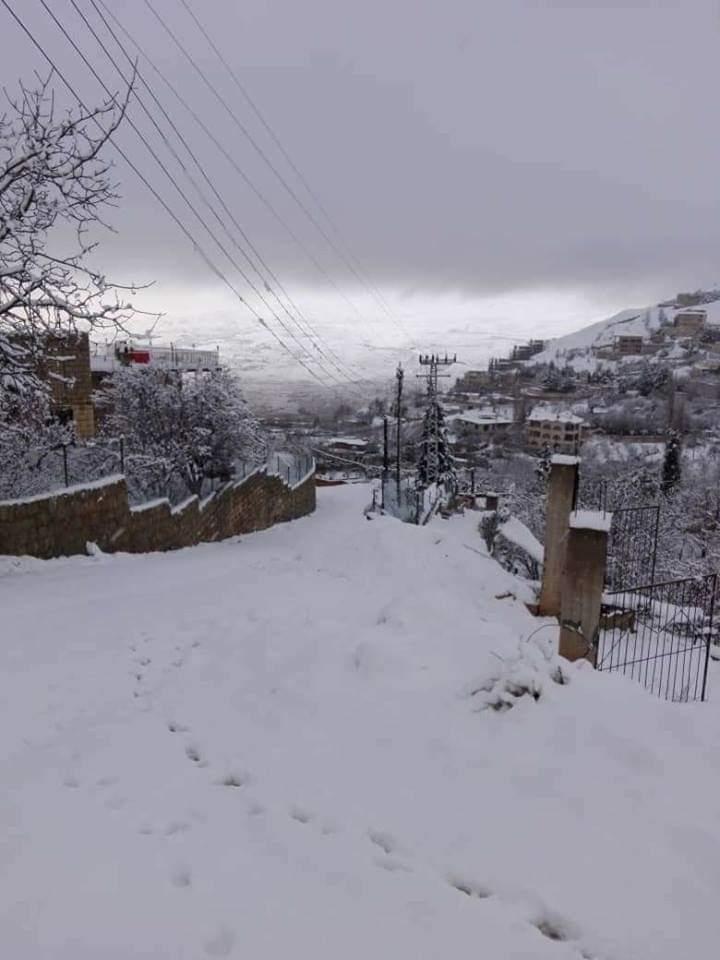 Photo of ثلوج على المرتفعات ودرجات حرارة منخفضة بدمشق وريفها