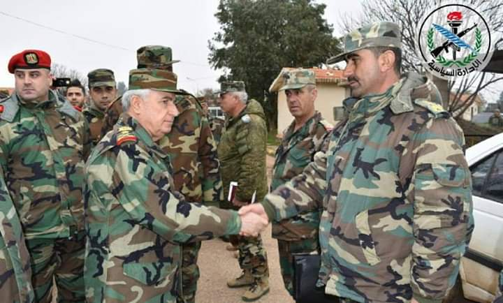Photo of The Minister of Defense Abdullah Ayoub visits some military points in northern Hama