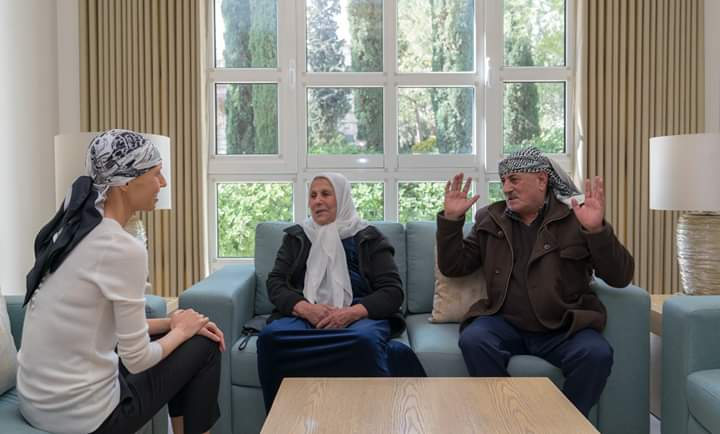 Photo of Mrs. Asmaa al-Assad received a number of martyrs' families