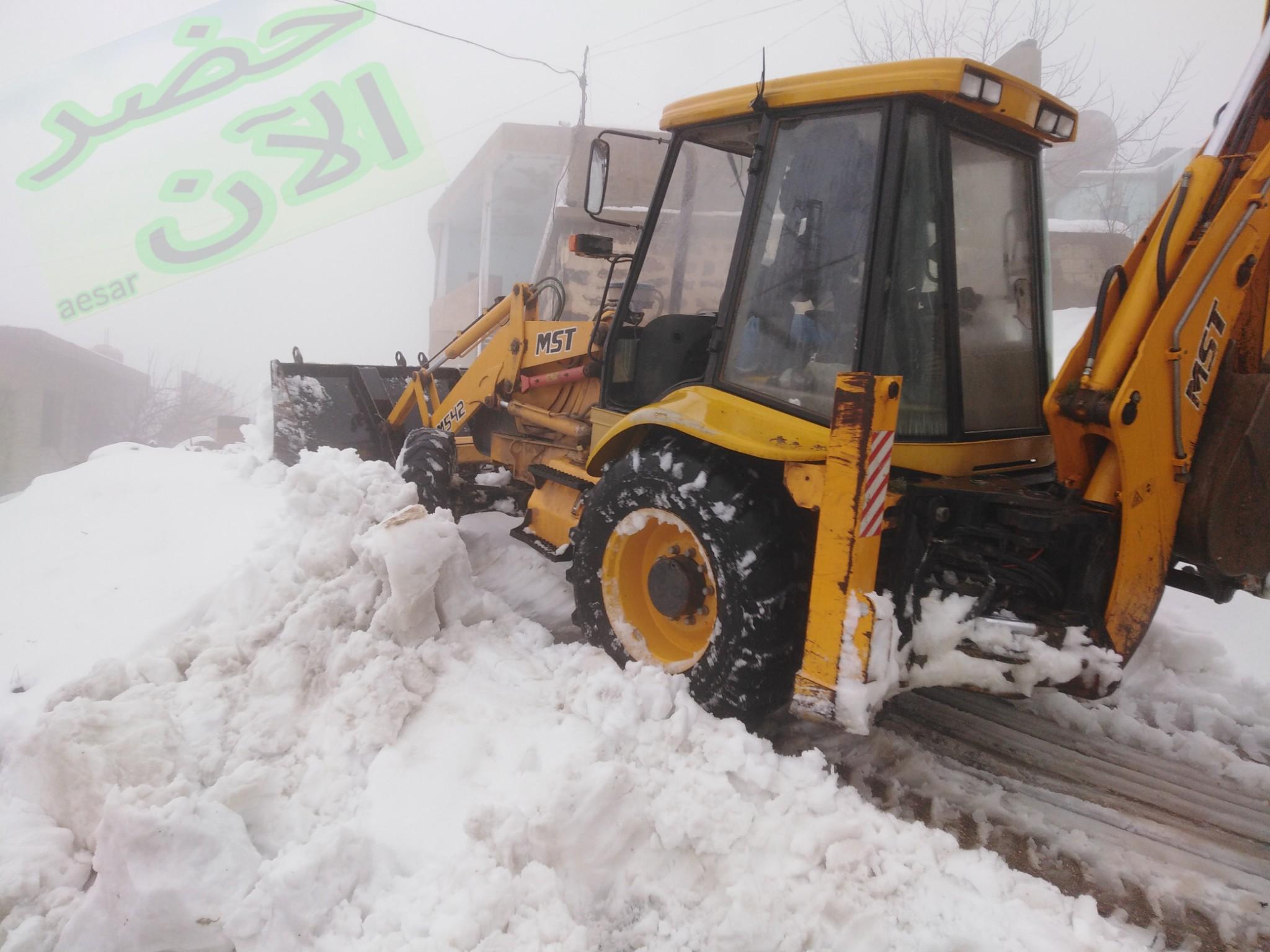 Photo of بالفيديو والصور- ثلوج حضر ومحيطها لليوم الثاني