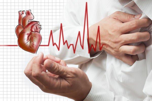 Photo of خمس أعراض تشير إلى مشاكل في القلب