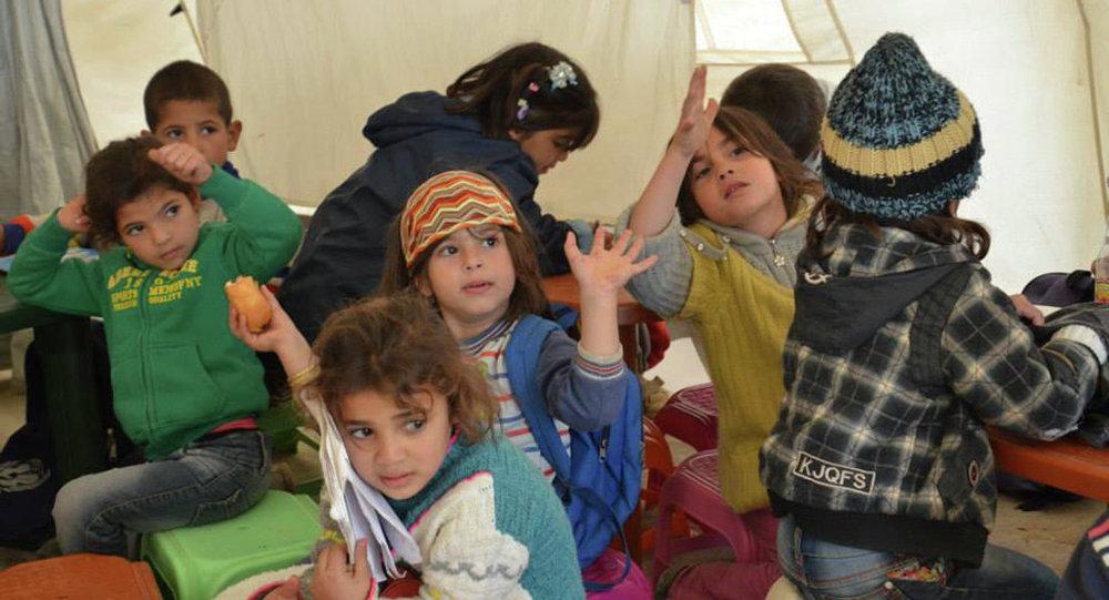 Photo of فتح ممرين إنسانيين للنازحين من مخيم الركبان الثلاثاء المقبل