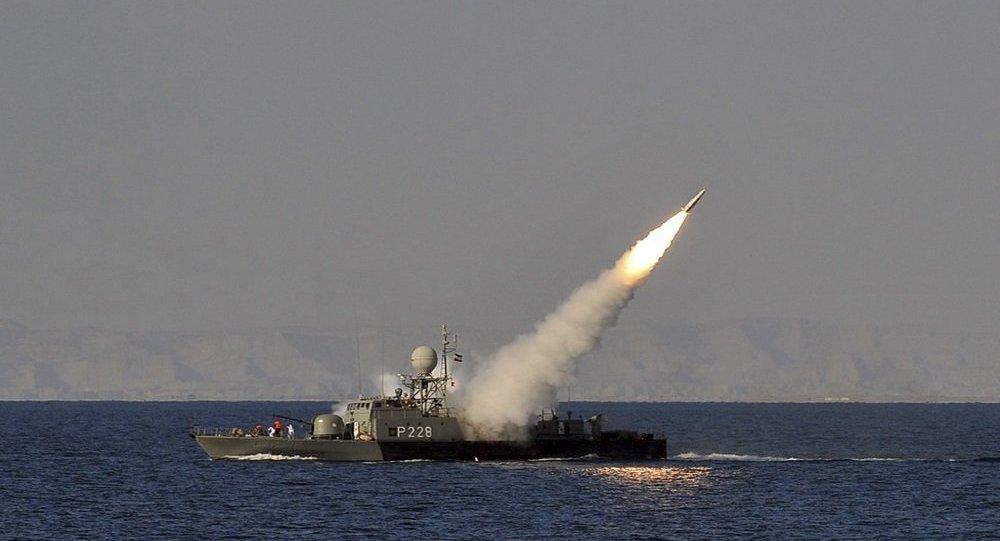Photo of إيران تطلق صاروخ كروز في مضيق هرمز