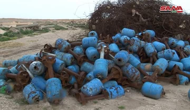 Photo of مخلفات داعش في الميادين..مقابر جماعية ومعامل لتصنيع القذائف