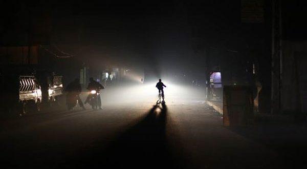Photo of دمشق تغرق في العتمة : وزارة النفط تقدّم 27% من حاجة 'الكهرباء' فقط!!