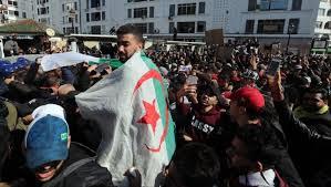 "Photo of الجزائر.. مظاهرات واحتجاجات ضد ""بوتفليقة"""