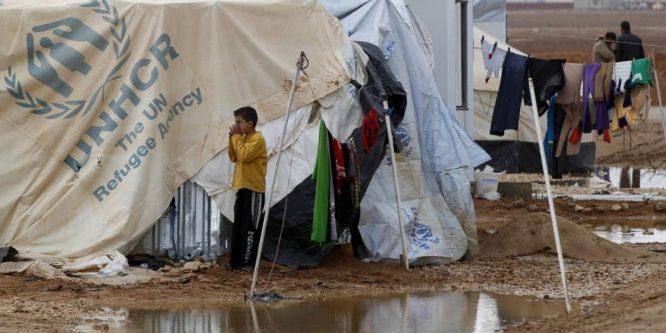 مأساة الركبان مستمرة ..و 89 % من اللاجئين السوريين في لبنان يريدون العودة