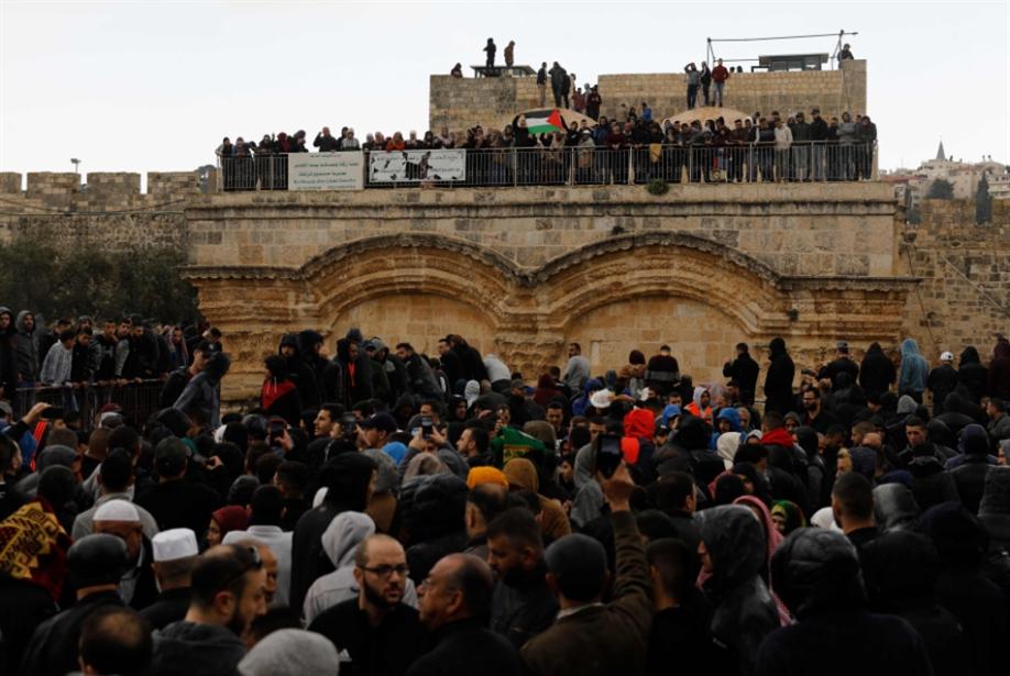 Photo of الإعلام العبري يكشف تفاصيل من «صفقة القرن»: القدس والأقصى لإسرائيل!