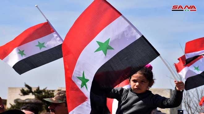 Photo of عودة المئات من أهالي قرية البويضة الي منازلهم بريف حمص