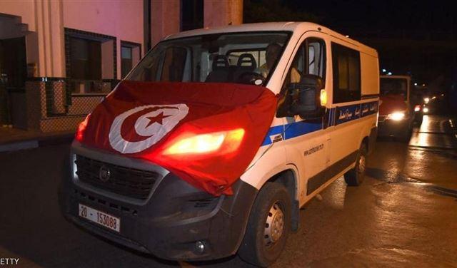 Photo of استقالة وزير الصحة التونسي بعد وفيات ١١ رضيع