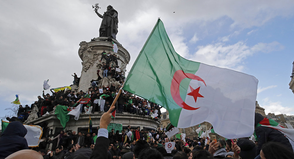 Photo of النيابة الجزائرية تمنع عدة شخصيات من السفر خارج البلاد