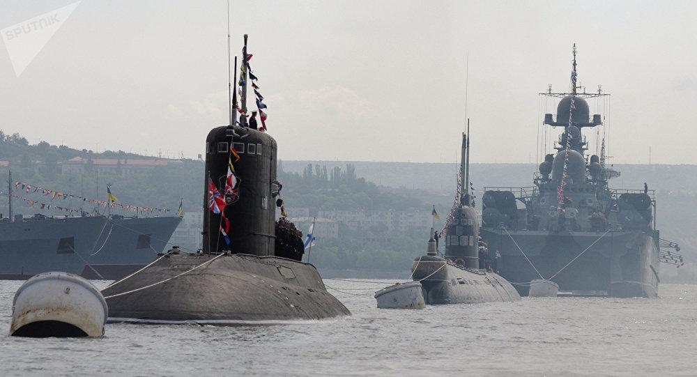 Photo of سفن حربية روسية تجرى تدريبات قتالية في البحر الأسود