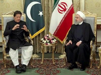 Photo of روحاني يستقبل رئيس الوزراء الباكستاني في طهران