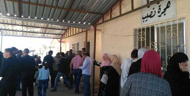 دفعة جديدة من المهجرين تعود من مخيمات اللجوء بالأردن