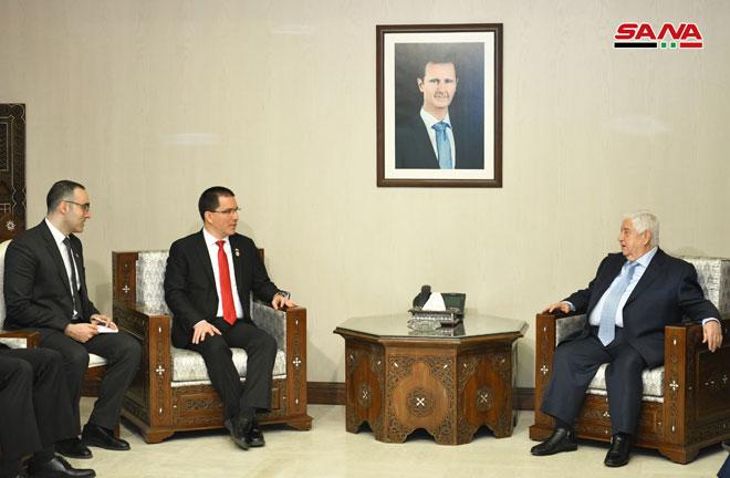 Photo of الوزير المعلم يلتقي الوفد الفنزويلي لبحث سبل تطوير العلاقات بين البلدين
