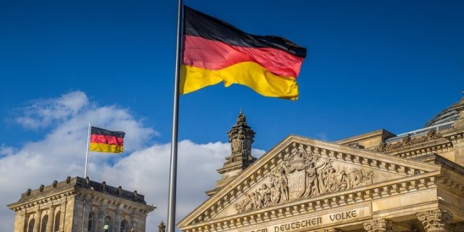 ألمانيا تحظر على اللاجئين السوريين فتح حساب في أي بنك ألماني مباشرة