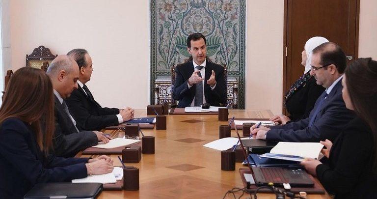 """Photo of الرئيس الأسد لفريق """"المشروع الوطني للإصلاح الإداري"""": ضرورة تحديد أسباب عرقلة المشروع"""
