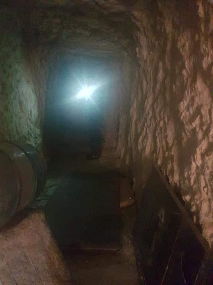 Photo of Syrian Arab Army uncovers a network of tunnels and barricades dug by terrorists in Ma'ar Zeita village in Idelb countryside