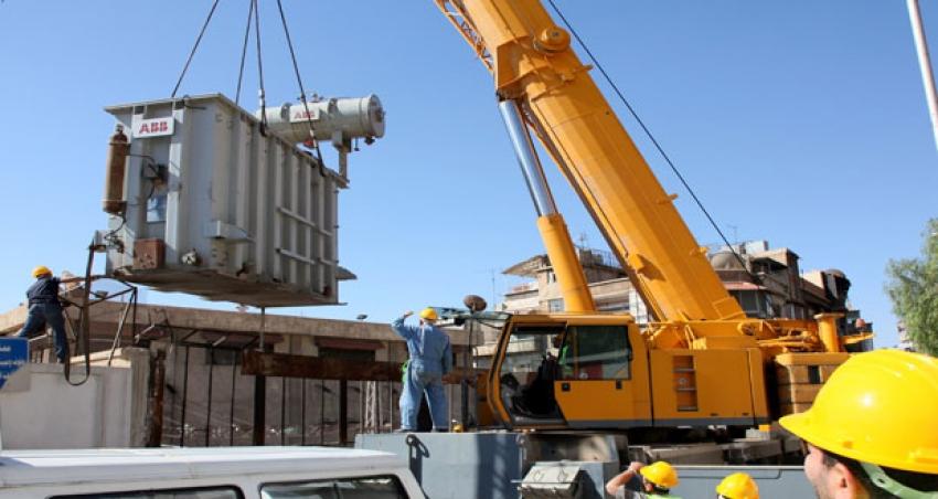 Photo of الكهرباء توقع عقد جديد لإستيراد محولات لزوم المناطق المحررة